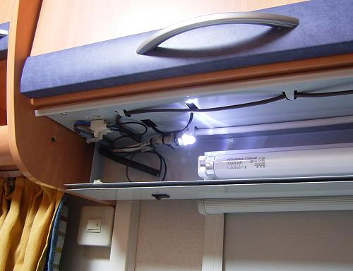 LED常夜灯の中身