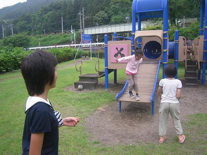 隣接の公園
