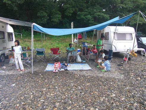 雨・キャンプ