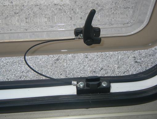 窓 開放制限 ストッパー
